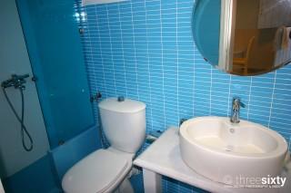 kontos studios bathroom image